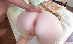 Sexy smokin' milf lila pleasing