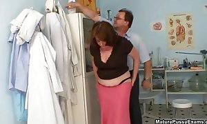 Big milk sacks mature mommy gets her tight